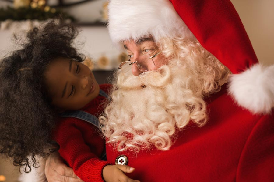 Meet Santa Claus at Stockbridge Main Street at Christmas