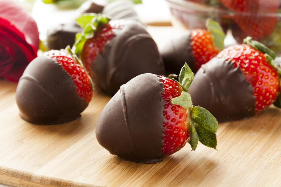 free chocolate covered strawberries New Year's Eve 2020